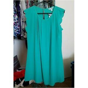 NWT Turquoise flowy dress w/ flirty scallop trim!